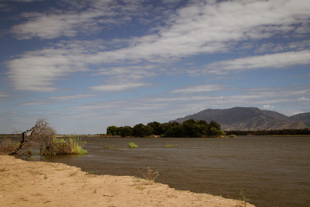 Mighty Zambezi, Mana Pools, Zimbabwe