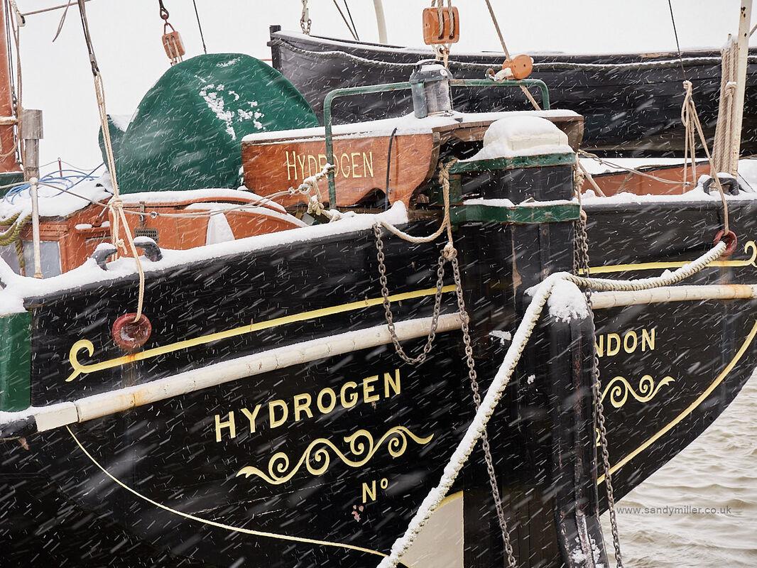 Hydrogen snow