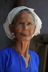 A Vietnamese village where the women dye their clothes indigo blue