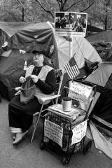 Knitting demonstrator
