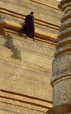 Monk on the Shwedagon Pagoda