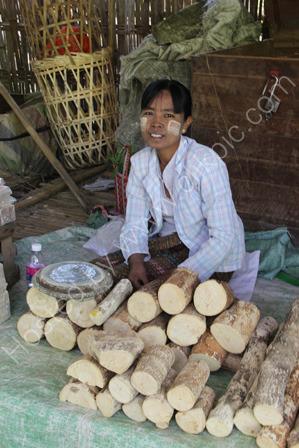 Selling Sandalwood Paste (thanakha)