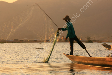 Leg Rowing Fisherman