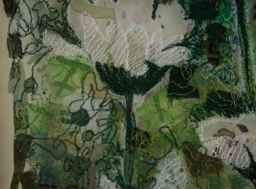green daisy textilecloseup1