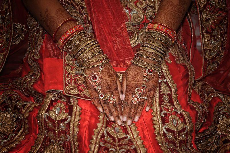 Nila Hands 2