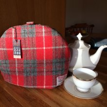 Red/Grey Tea Cosy
