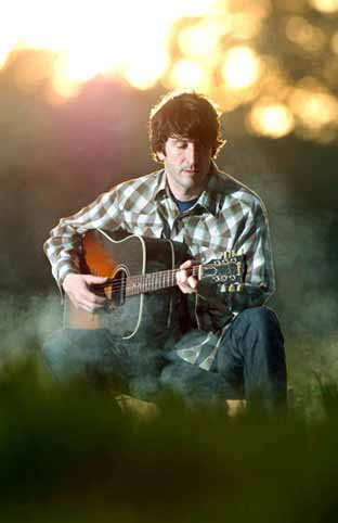 Singer songwriter Louis Eliot