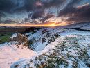 Winter sunrise on Winnats
