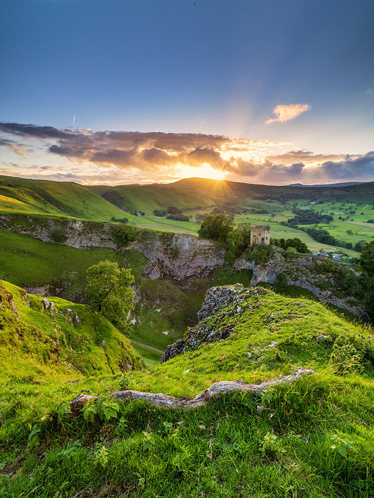 Summer sunset over Cave Dale