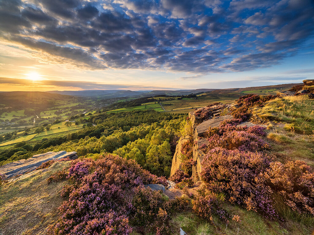 Summer sunset on Millstone Edge