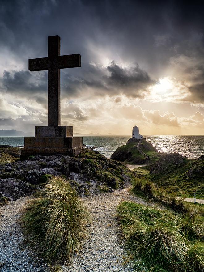 Llanddwyn Cross