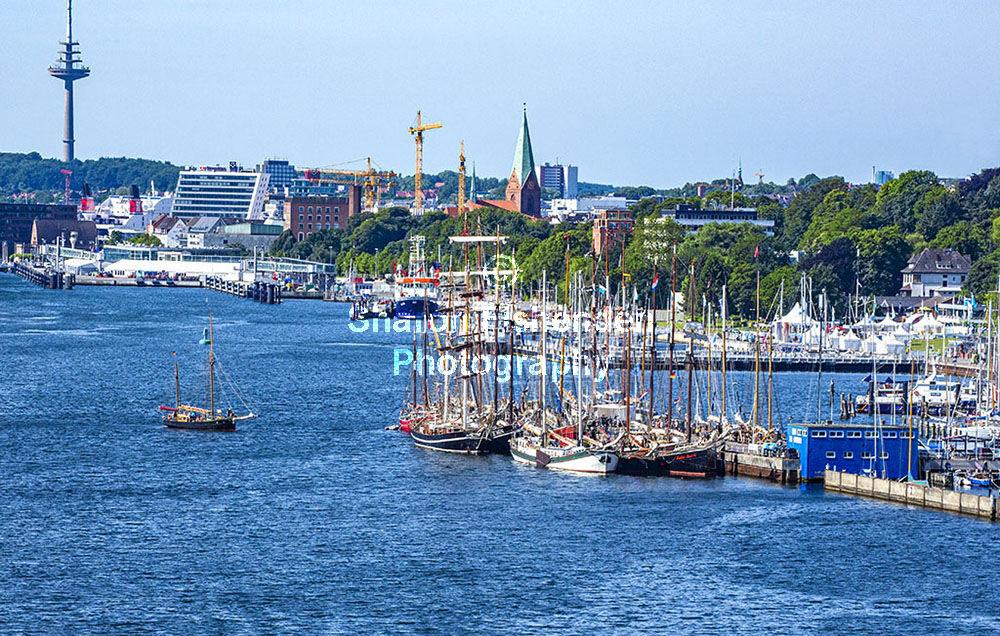 4016-Kiel Marina skyline