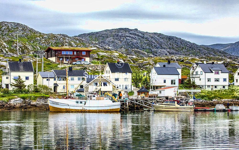 4093-Gjesvaer harbour village