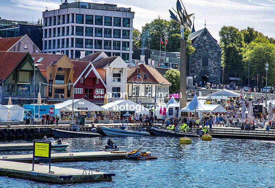 4104-Stavanger boats buildings church food festival tents