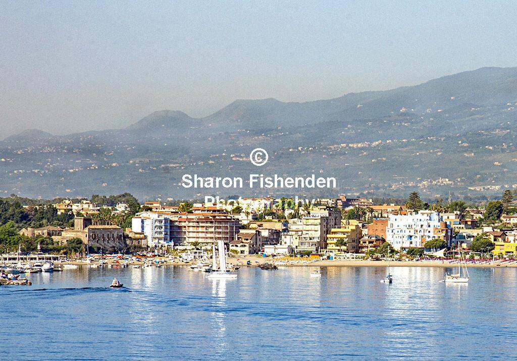 4187-Taormina Giardini Naxos Bay mountains