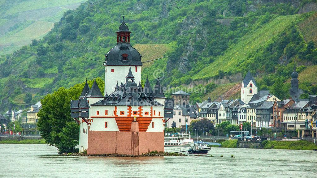 9017-Rhinegorge Pfalzgrafensteine