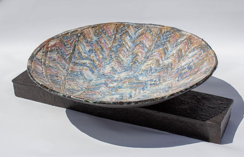 Herringbone Seashell shallow bowl and base