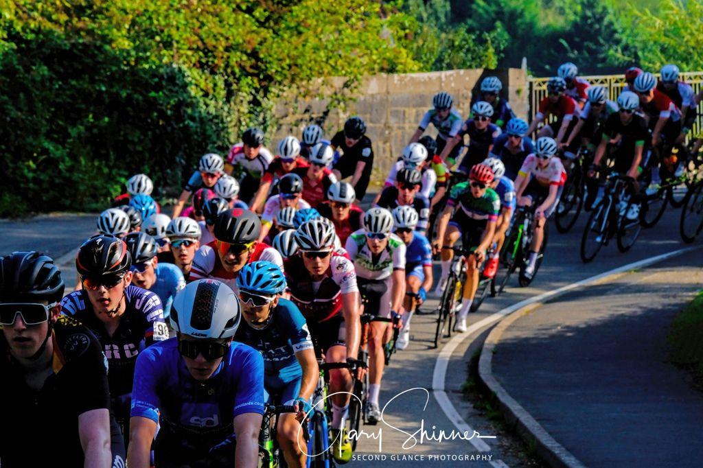 59 Sea of faces & helmets No2