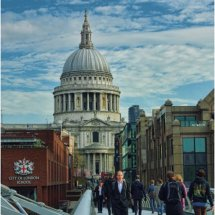 Bridge towards Saint Pauls