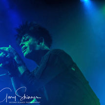 Numan delivering the song