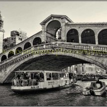 Race to the Rialto bridge