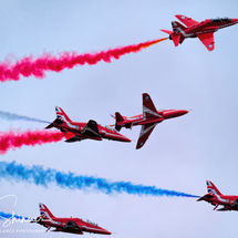 Red Arrows - Criss Cross action