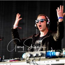 Scott Mills has two hands