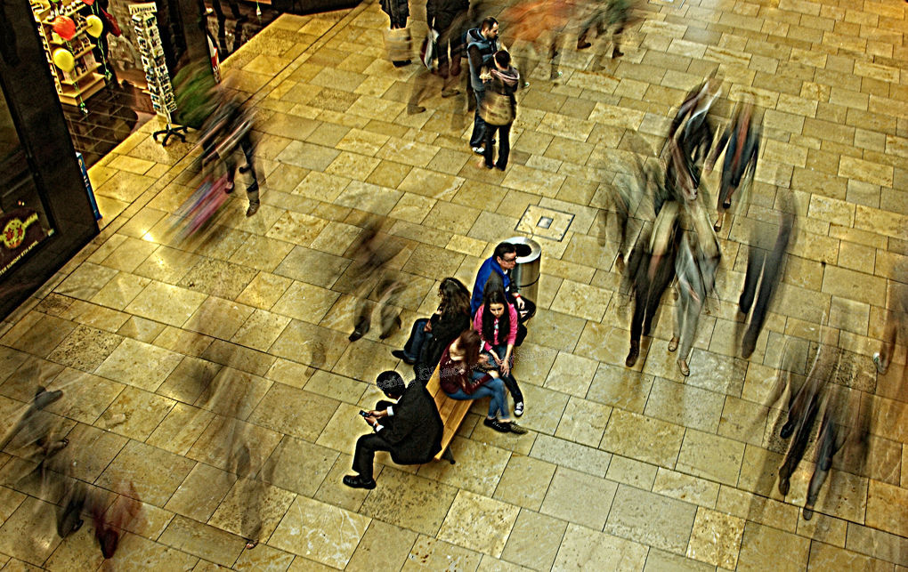 Shoppers take a break - Cardiff