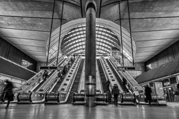 Canary Wharf Tube Station Mono