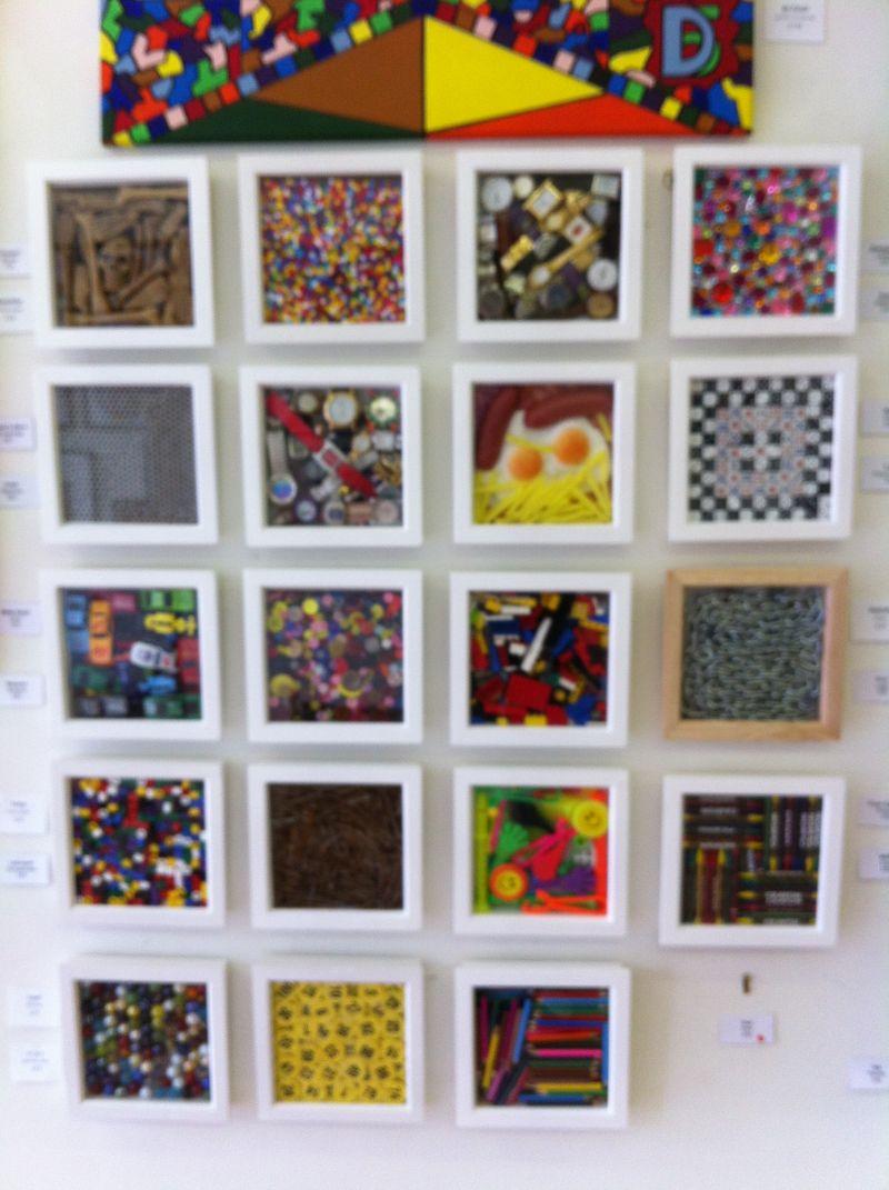Wall display of Mini-Meni's