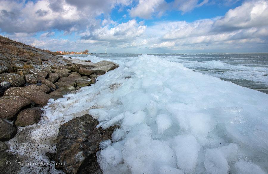 Kruiend ijs, Uitdam, Waterland