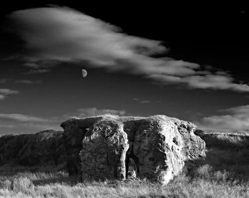 Moonrise, Buddo Rock