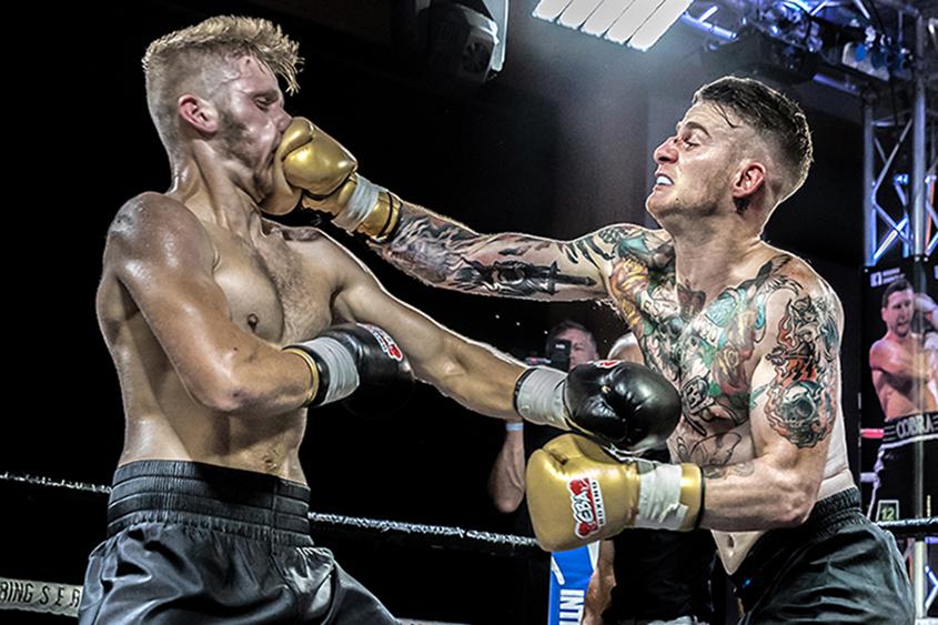 Matt Davies vs Louie Hewett