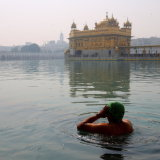 prayers at the golden temple