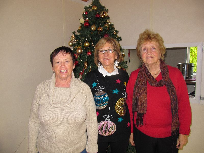 Sunday morning winners, Mary, Norma and Clare