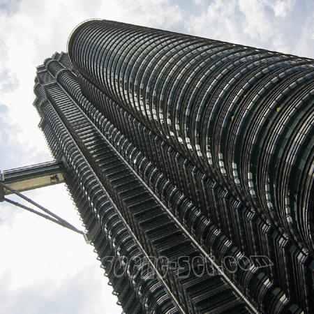 petronas towers<br> kuala lumpa<br> malaysia