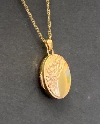 9 carat gold locket
