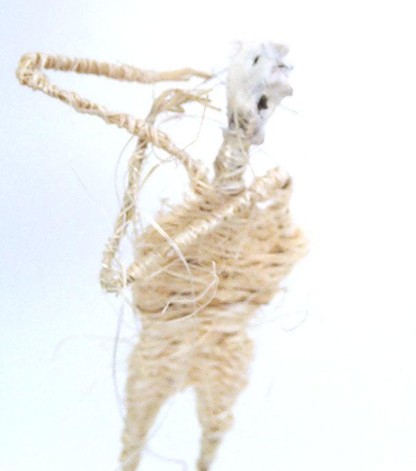 woven figure2 by Beutlich