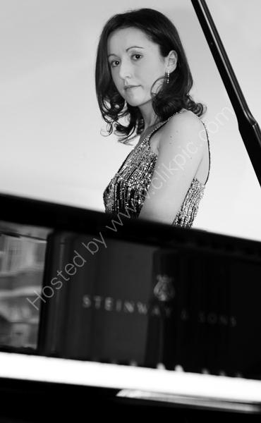 Maria Marchant - Pianist