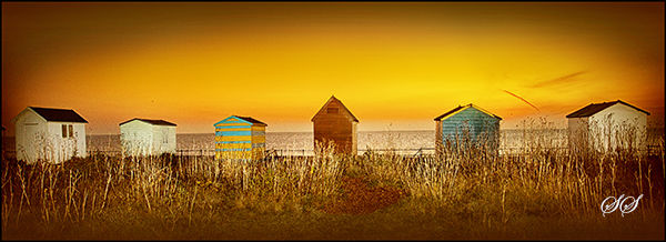 Kingsdown Beach Huts at Sunrise