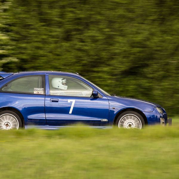 blue rover 25 sprinting at a curborough track day