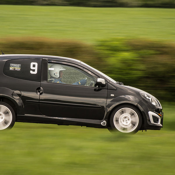 renault twingo approaching curborough hairpin at speed