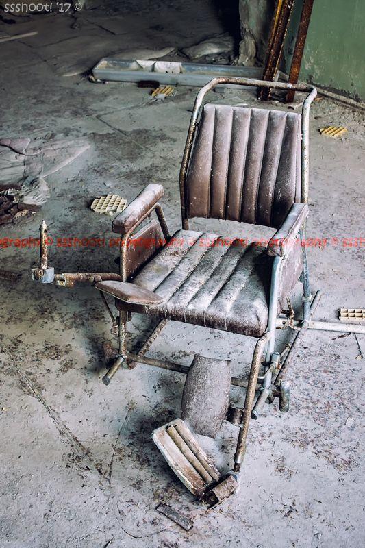 (Wheel) Chair