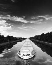 mono Barge