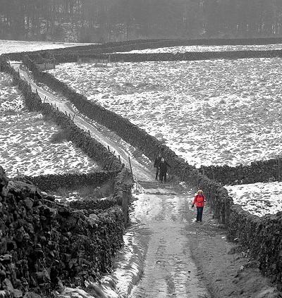 Snowy walk from Settle