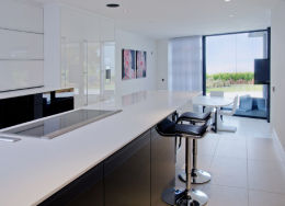 SANDBANKS, DORSET: Luxury home - kitchen