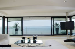 SANDBANKS, DORSET: Luxury home - upper lounge