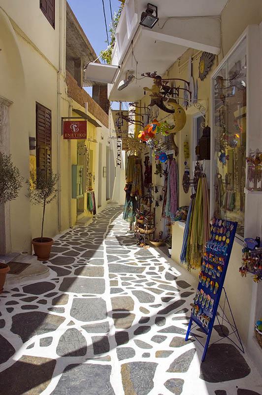 A Street in Naxos Town. (d)