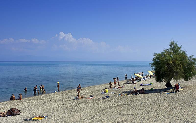 Hanioti Beach. (b).