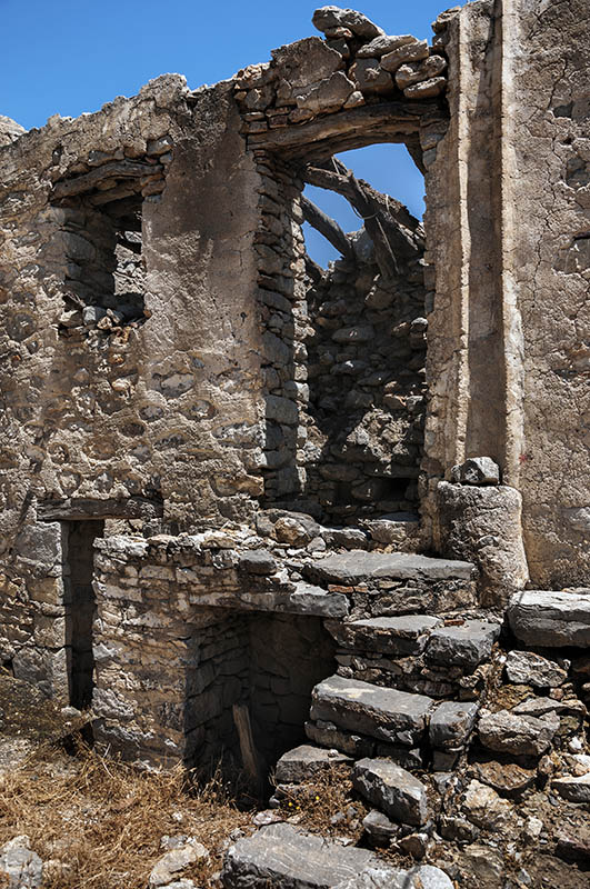 House Ruins in Micro Horio. (f).